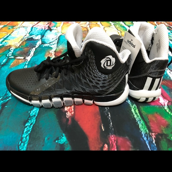 sale retailer d9df8 54c75 NWT Adidas D Rose 773 II Basketball Shoes Sz 6
